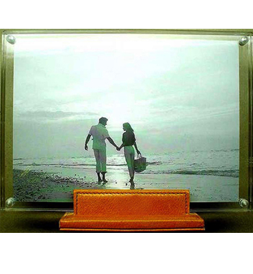 leather photo standwith lucide frame